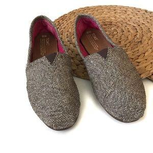 Toms brown tweed slip on loafer